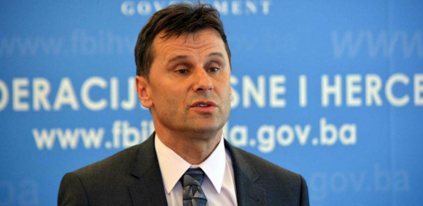 SIPA premijeru Fadilu Novaliću oduzela mobitel