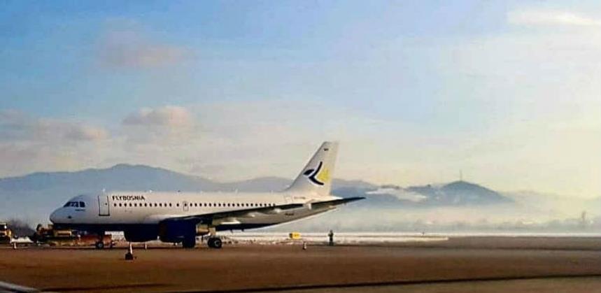 FlyBosnia zapala u dugove: Na letu za Rim jučer manje od 20 putnika