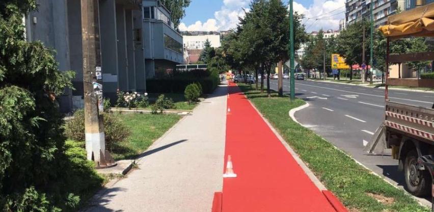 U toku radovi na obilježavanju biciklističke staze u ulici Azize Šaćirbegović