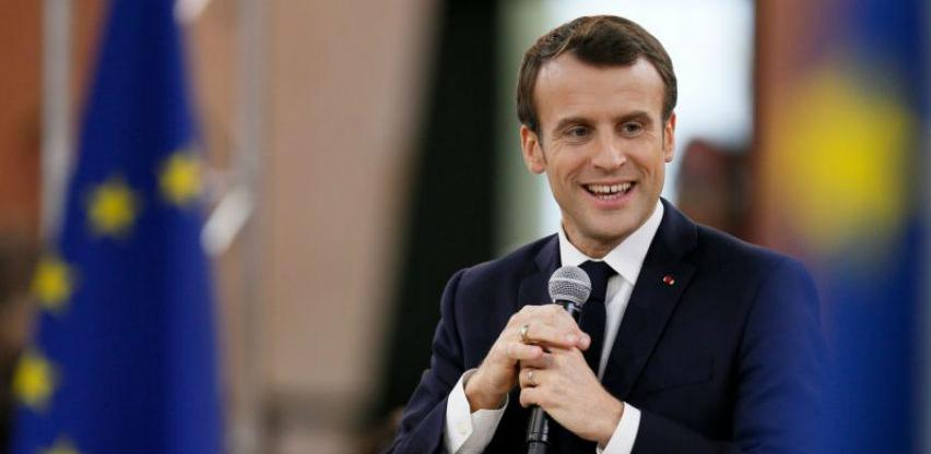 Sastanak Macrona i Johnsona o Brexitu narednih sedmica u Parizu