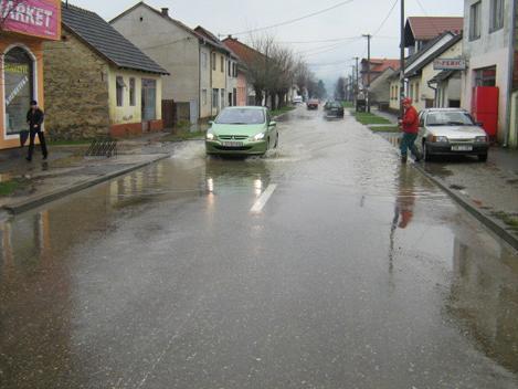 Potrebna pomoć poplavljenim građanima Bosanske Kostajnice