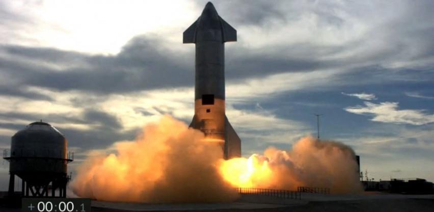 """Raketa kompanije """"SpaceX"""" se spustila pa eksplodirala"""