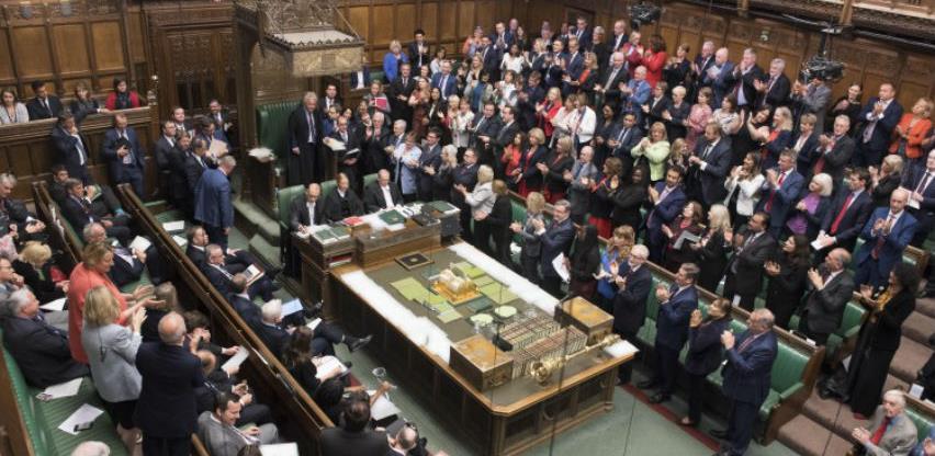 Vanredno zasjedanje britanskog parlamenta u subotu