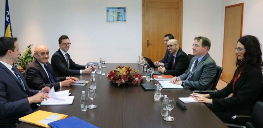 Nastaviti reforme i suradnju s MMF-om nakon formiranja vlasti