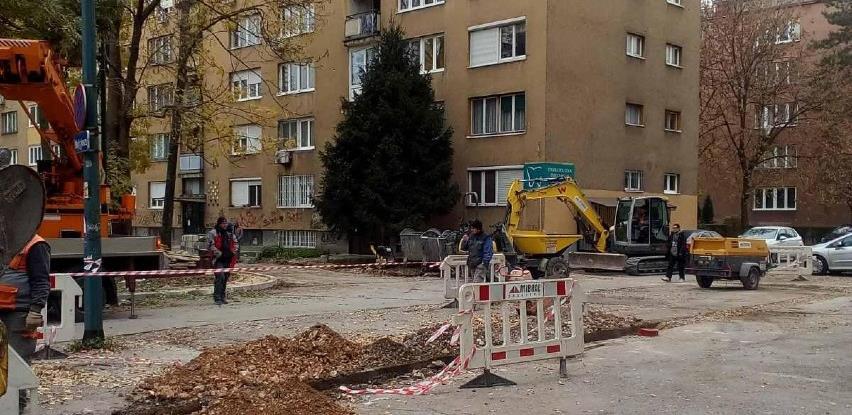 U toku rekonstrukcija saobraćajnih površina i uređenje parka u ulici Grbavička