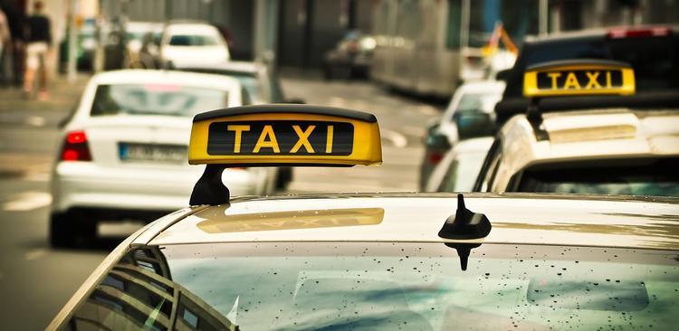 Dubrovnik bi mogao zabraniti sva taxi vozila, osim električnih