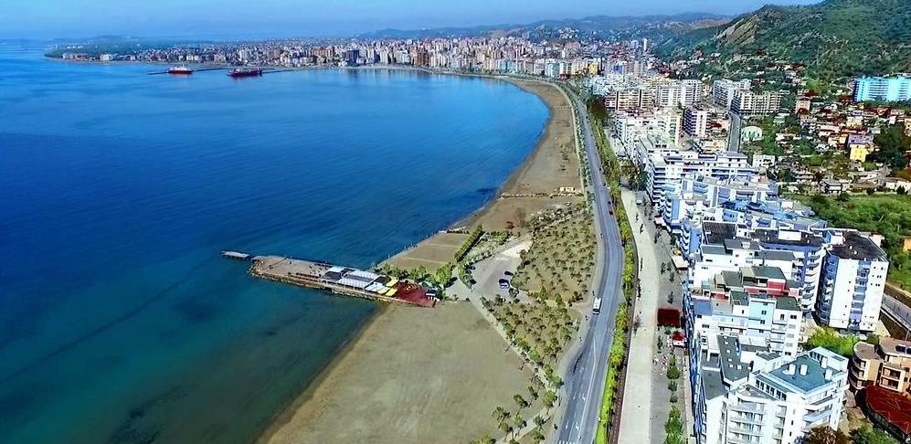 Zbog oštrih mjera turisti umjesto Crne Gore biraju Albaniju
