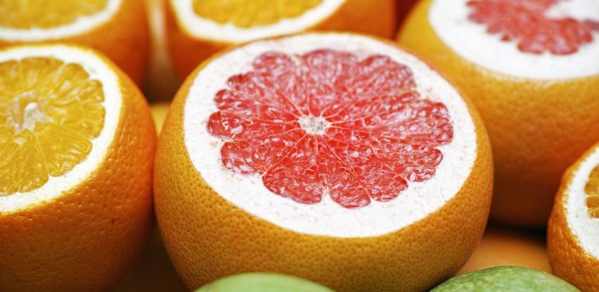 Spuštena rampa za mandarine, grejp, krastavce i grožđe
