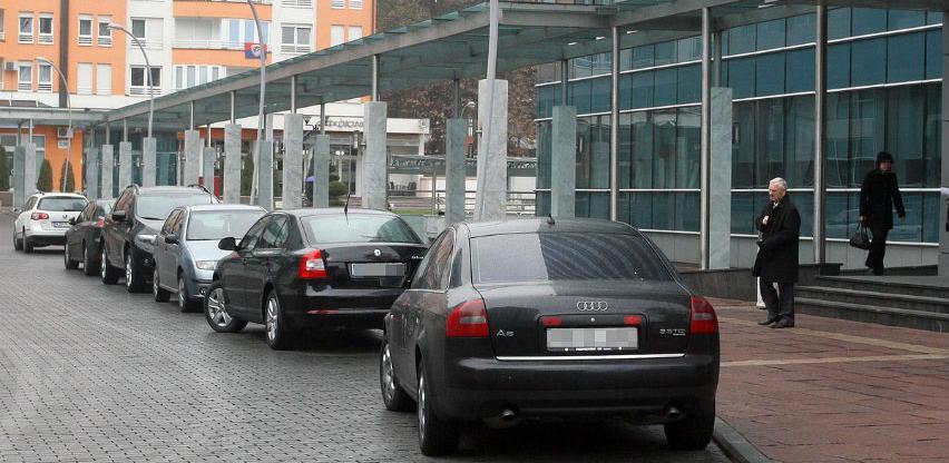 Narodna skupšina RS-a obnavlja vozni park: Za osam novih automobila 417.000 KM