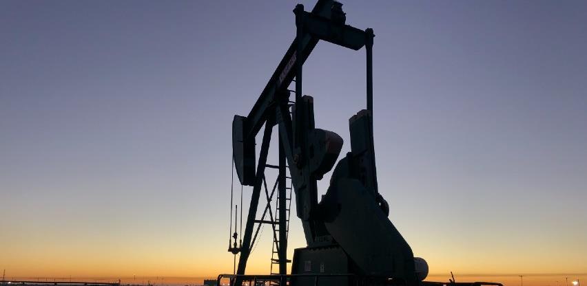 Cijene nafte porasle šesti tjedan zaredom, na najviše razine od ožujka