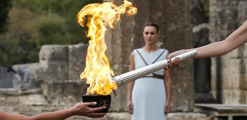 Olimpijski plamen dopremljen u Japan