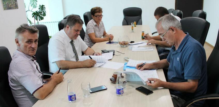Potpisani ugovori za proširenje vrelovodne mreže na području općine Lukavac
