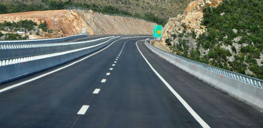 Radovi na putnoj infrastrukturi čekaju povećanje putarina