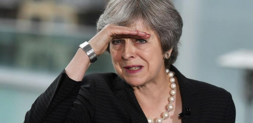 May podnosi ostavku nakon što završi prvu fazu Brexita