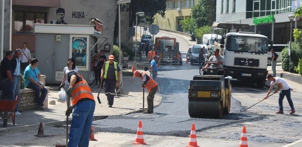 Radovi od 4,5 mil KM: Traži se izvođač za obnovu i izgradnju cesta u Mostaru
