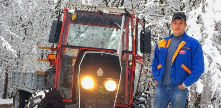 Mihael Čalaga: Traktor vozi od devete godine, ima farmu, a radnike plaća 500 eur