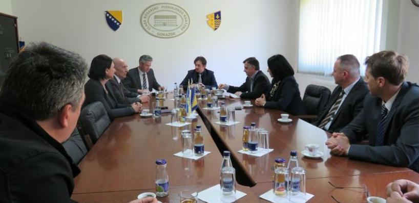 Zadovoljstvo zbog potpisivanja ugovora iskazao je i ministar saobraćaja Kantona Sarajevo.
