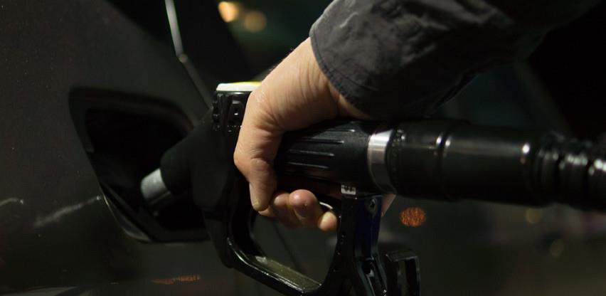 Vlada FBiH ukinula odluku o ograničavanju marži za gorivo