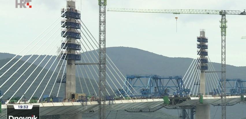 Posljednji dijelovi Pelješkog mosta danas stižu brodom, dosad završeno 75 posto konstrukcije