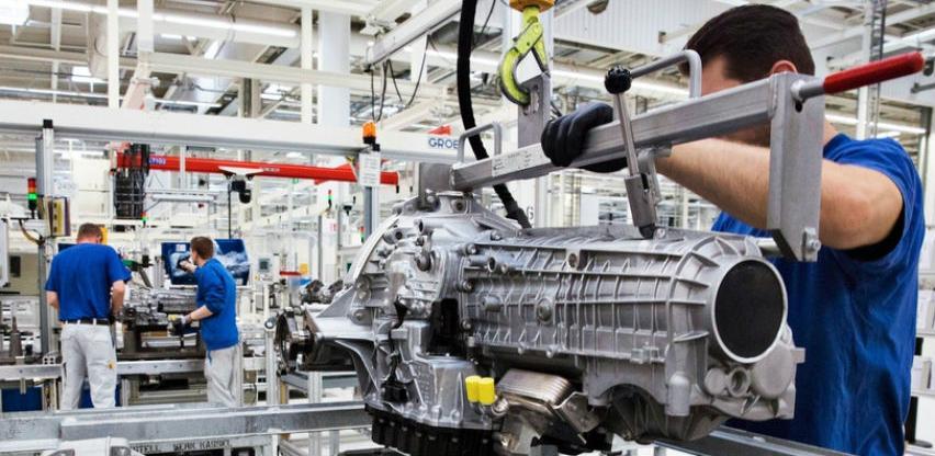 Promet industrije u februaru porastao za 4,4 posto