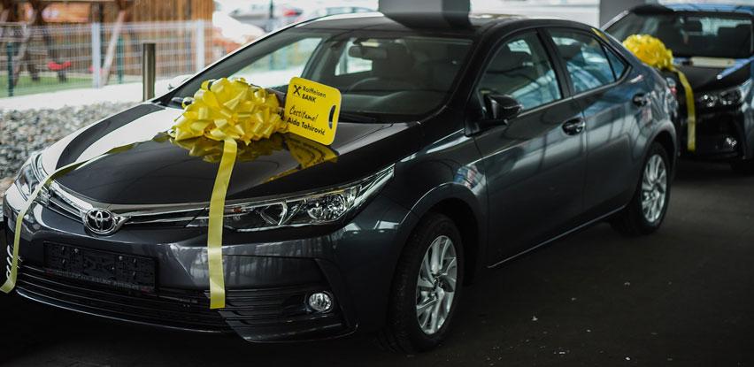 Raiffeisen banka uručila nagrade dobitnicima nagradne igre Osvoji auto