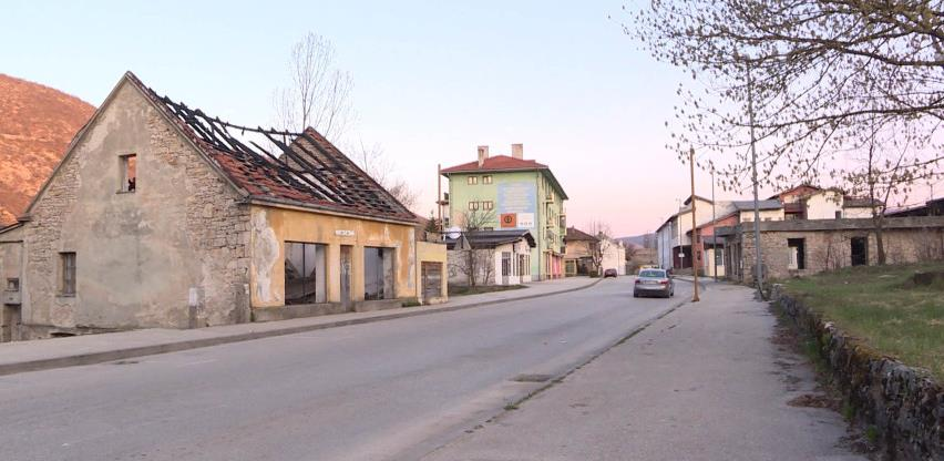 U Drvaru od danas ugostiteljski objekti rade do 18, a trgovine do 20 sati