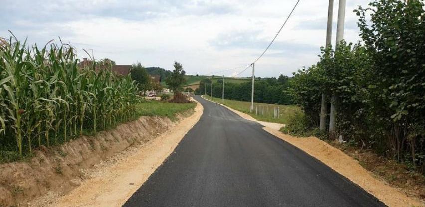 U Velikoj Kladuši asfaltirana dva putna pravca, u toku završni radovi na još tri