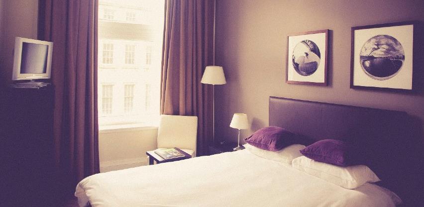 Promet u hotelijerstvu i ugostiteljstvu manji za 9,8 odsto