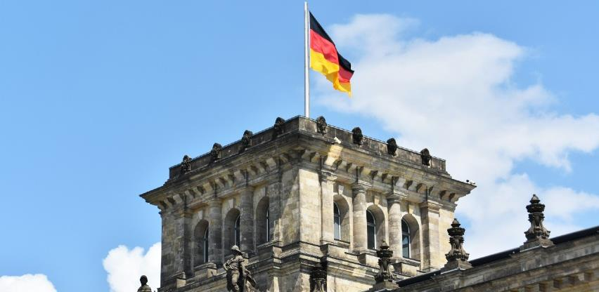 Njemačkoj potrebno 400.000 imigranata godišnje