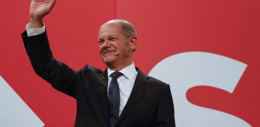 Tijesna pobjeda socijaldemokrata, poražena stranka Angele Merkel
