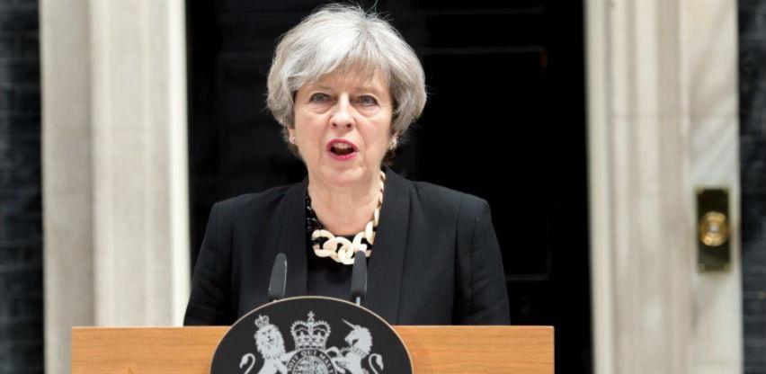 May: Čuli smo parlament, ali vas molim da slušate narod