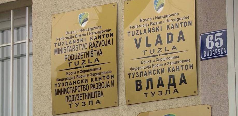 Objavljen Javni poziv za subvencioniranje neto plaće u Tuzlanskom kantonu