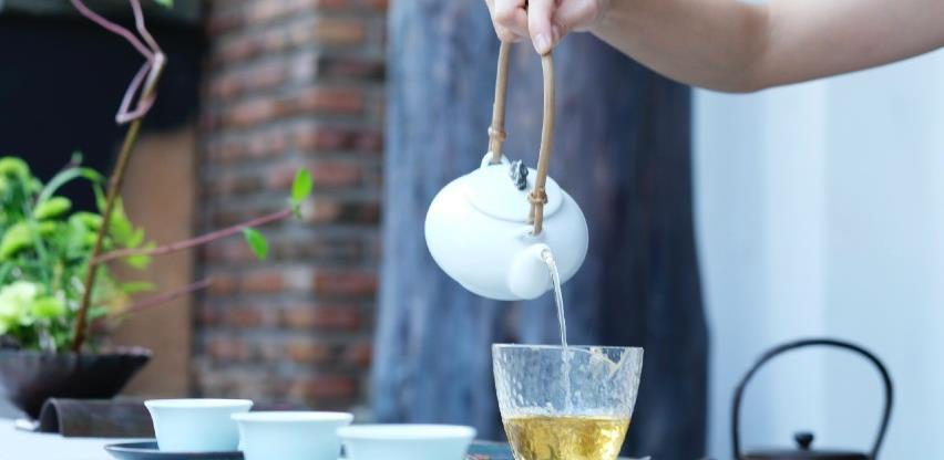 Čaj koji jača imunitet i razbuđuje bolje od kafe