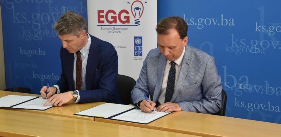 MPKS u saradnji sa UNDP-om nudi edukaciju i novac mladima za pokretnje firmi