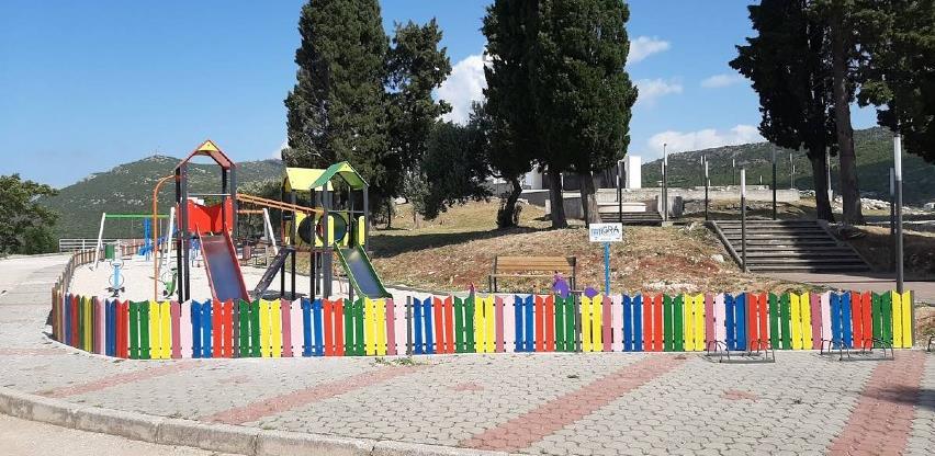 Završeni radovi na obnovi i uređenju dječjeg igrališta u Neumu