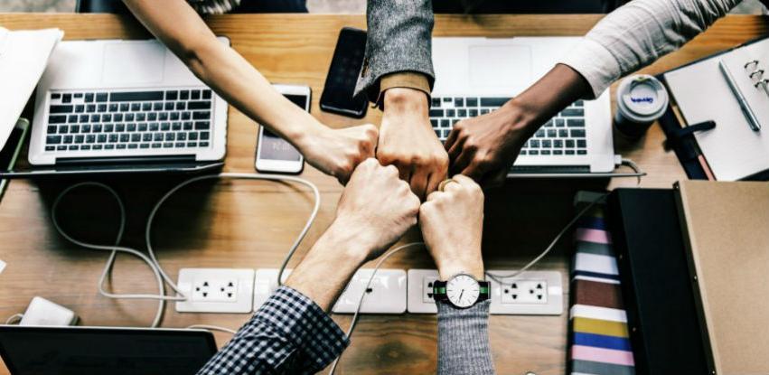Smart meeting pro software za jednostavnije obavljanje poslovnih procesa