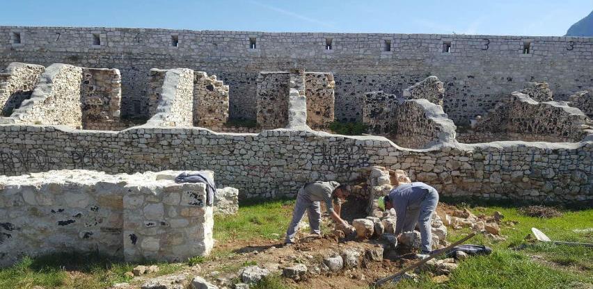 Nastavljeni radovni rekonstrukciji zidnih struktura Bijele tabije