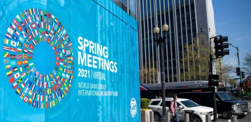 MMF: Pandemija će i u 2021. podizati nivo globalnog duga