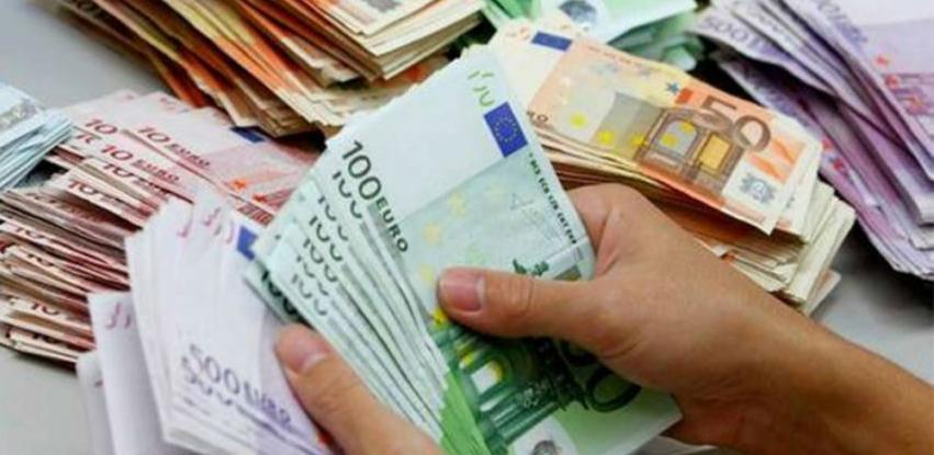 """I pored krize Italija uvodi """"platu za siromašne"""""""