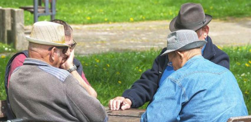 Slovenska vlada privremeno odustala od povećanja životne dobi za umirovljenje
