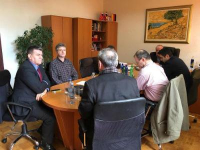 Dogovorene prve aktivnosti na pokretanju proizvodnje u RMU Kamengrad