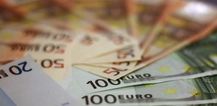 Ojačala potražnja za sigurnijim valutama - jenom i švicarcem