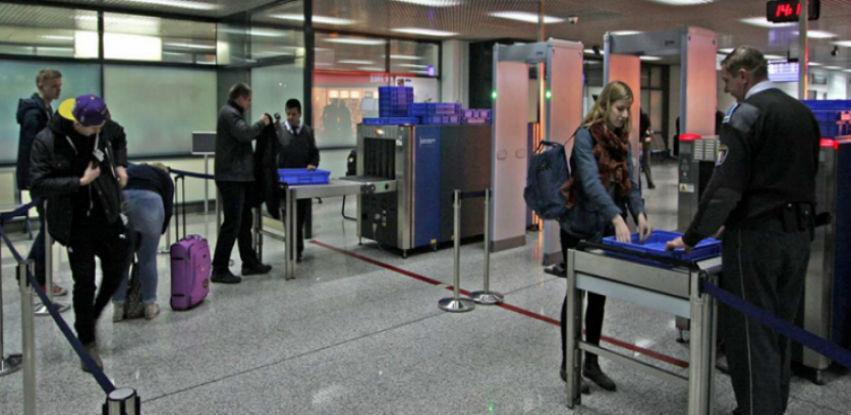 Na aerodromima u Tuzli i Sarajevu kontrolisano više od 7.000 putnika