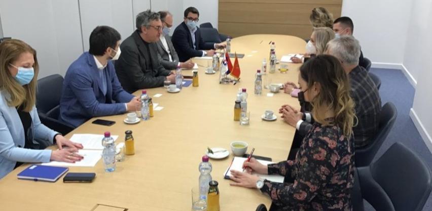 Procedura krajnje jednostavna: Srbija organizovala vakcinaciju za privrednike BiH i regiona