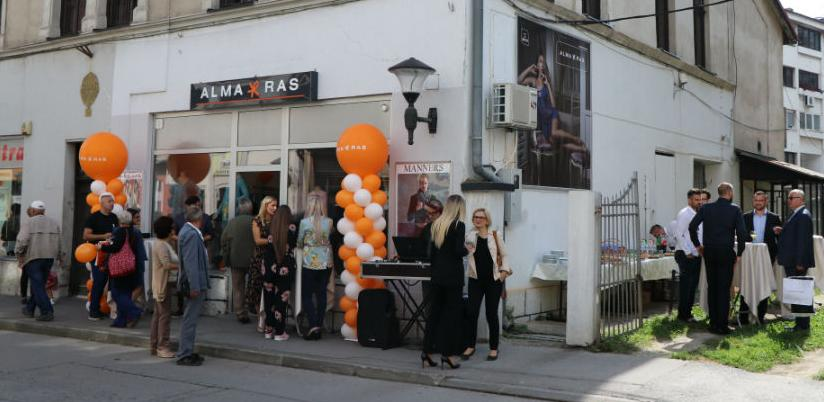 Alma Ras otvorila butik u Travniku