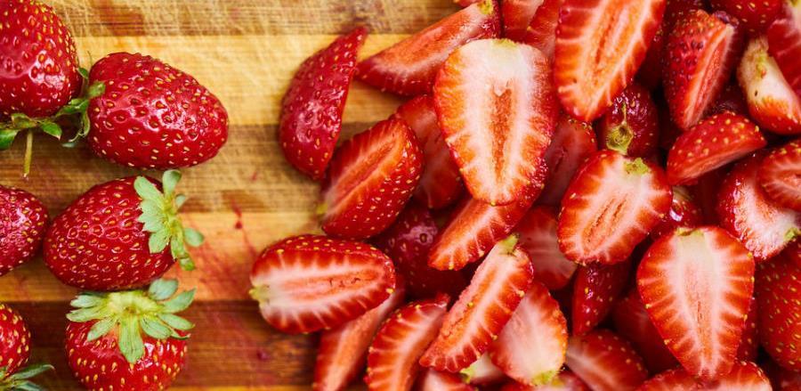 Proizvođači zadovoljno trljaju ruke, slatke i jagode i zarada