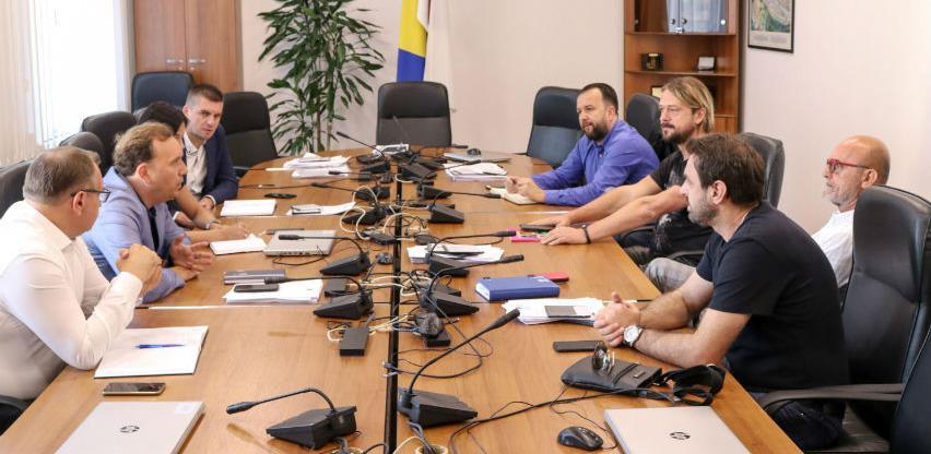 Vlada Kantona Sarajevo želi osigurati masovnije zapošljavanje mladih frizera
