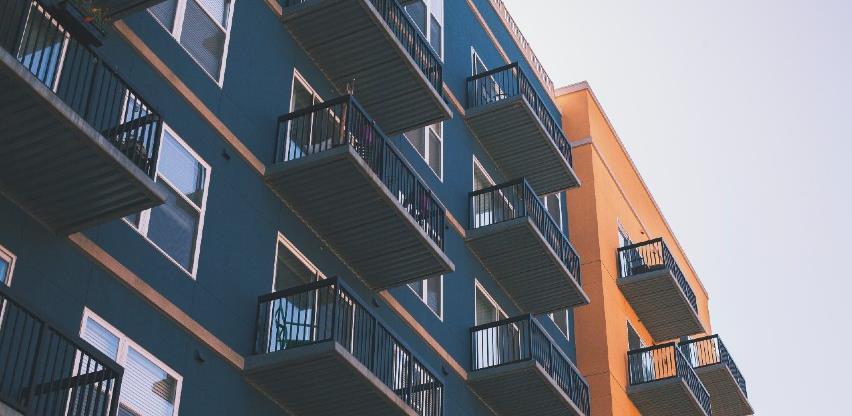 Tokom pandemije više se prodaju stanovi od kuća i imanja