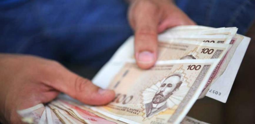 Na računima rezervi banke drže tri milijarde KM više od propisanog