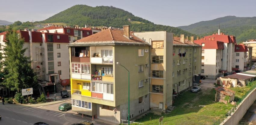 """Raspisan tender za utopljavanje """"Hotelske"""" zgrade u Hadžićima"""